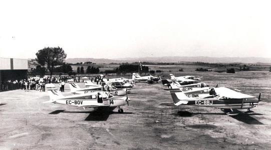 """31/05/1969 – Inauguración oficial aeródromo privado catalán """"PUJOL MUNTALA"""" en la ciudad de Manresa (Barcelona) (Foto: M.Sánchez Damián – archivo Leandro Escorsell)"""